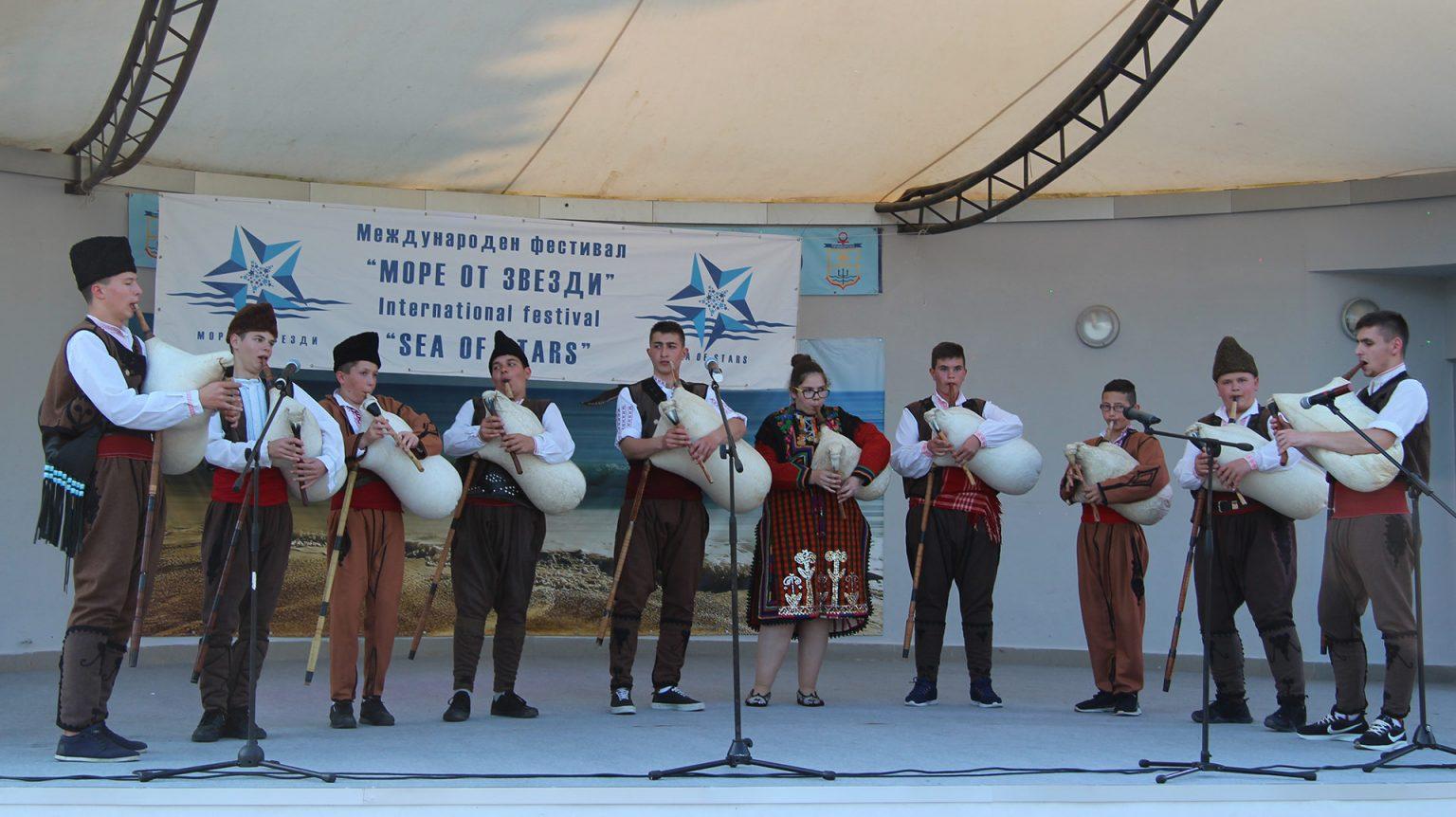 """Фестивал на изкуствата """"Море от звезди"""" събира за поредна година таланти на морския бряг"""